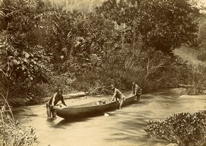 Madagascar Pirogue sur la rivière Foret Ancienne Photo Ramahandry 1910'