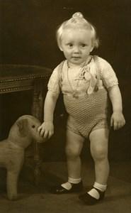 France Bebe et Chien en Peluche Jouet Jeu d'Enfants Ancienne Photo 1920