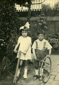 France Trottinette en Bois & Cerceau Jeu d'Enfants Ancienne Photo Amateur 1920