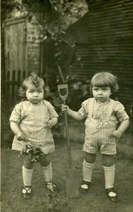 France les Petit Jardiniers Jeu d'Enfants Pelle Ancienne Photo Amateur 1920