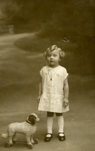 France Fillette et Jouet Chien à Tirer Jeu d'Enfants Ancienne Photo 1920