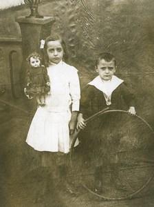 France Poupée et Cerceau Jouets Jeu d'Enfants Ancienne Photo 1920