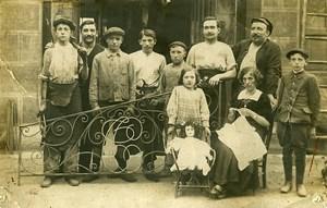 France Roubaix Groupe de Forgerons? et Poupée Jeu d'Enfants Ancienne Photo Amateur 1920