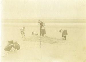 France Calais Mere et Enfants Jeux de Plage Ancienne Photo 1900