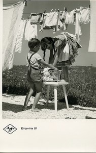 Publicity for Agfa paper Brovira 21 Children Laundry old Photo 1960