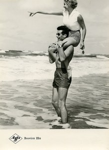 Publicity for Agfa paper Brovira 22a Man Woman at the Beach old Photo 1960