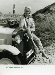 Publicité pour papier Agfa Leonar Lumarto Femme et Automobile Ancienne Photo 1960