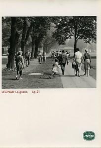 Publicité pour papier Agfa Leonar Leigrano Lg 21 Promenade au Parc Ancienne Photo 1960