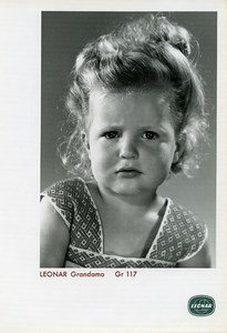 Publicity for Leonar Agfa paper Grandamo Gr117 Worried Child old Photo 1960
