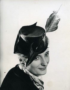 France Paris Woman Fashion Dress Hat Feather old Photo 1939
