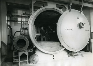 France Le Bourget Professor Garsaux in a large pressure chamber old Photo 1932