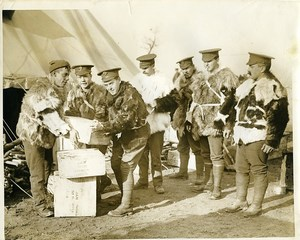 France WWI Britsh Army in the Fields packing ammunition old photo 1915