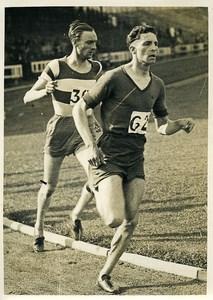 France Athlétisme Course a pied Gros plan sur 2 coureurs Ancienne Photo 1932