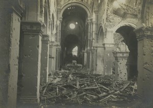 France Front de la Somme Albert? Eglise Interieur en Ruines Ancienne Photo 1918