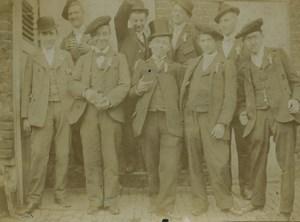 France Militaire Groupe de Conscrits Beaux Chapeaux Ancienne Photo 1900