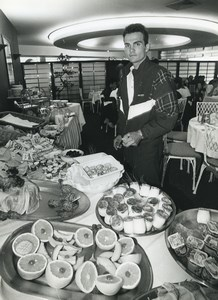 Photo Stage 3 Tour de France 1996 Wasquehal Richard Virenque breakfast Cycling