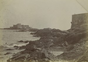 France Saint Malo bas des remparts face au Fort National Ancienne Photo 1900