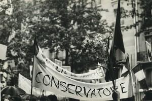 Paris pro De Gaulle Demonstration Conservatoire Old photo Huet 1968, june 4