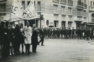 Paris pro De Gaulle Demonstration UJP Old photo Huet 1968, june 4