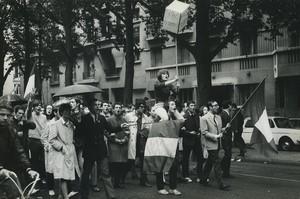 Paris pro De Gaulle Demonstration Medical Students Old photo Huet 1968, june 4
