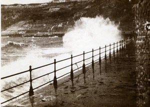 North Yorkshire Scarborough Rough Sea Beachfront Holidays old Amateur Photo 1900