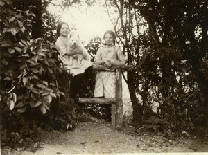 North Yorkshire Scarborough Family in Garden Park Holiday old Amateur Photo 1900