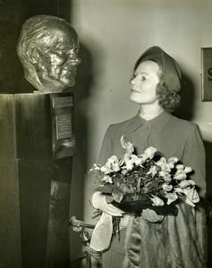 Anna Neagle C.B. Cochran Bust Adelphi Theatre London Old Press Photo 1951