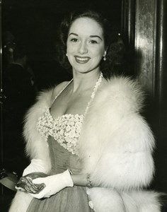 Pat Kirkwood at Quo Vadis Premiere Carlton Theatre London Old Press Photo 1952