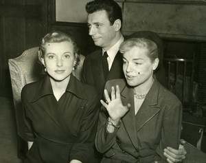 Danielle Godet Simone Signoret Yves Montand London Film Festival Old Photo 1953