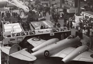 Paris Airshow Grand Palais Gloster Meteor Aircraft Fighter old Photo 1946
