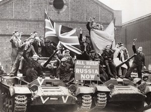 Smethwick Valentine Tank Factory Workers British Aid to Russia WW2 Photo 1941