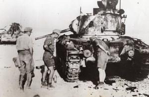Libya Desert German Soldiers & Captured Allied Tank WWII WW2 Old Photo 1941
