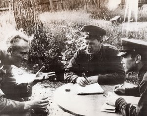 Russia German Prisoner Questioned by Red Army Intelligence Officers Photo 1941