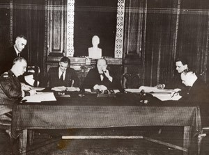 London Sikorski-Mayski agreement Signature Churchill Anthony Eden Old Photo 1941