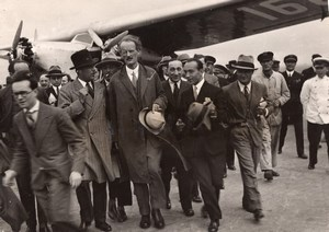 France Le Bourget Arrivee du Professeur Auguste Piccard Ancienne Photo 1931