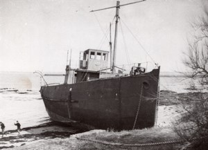 France Le Croisic Mysterious Wreck Ghost Ship Old Photo 1936