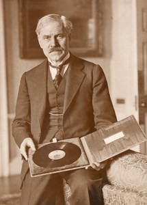 Ramsay MacDonald & His Master's Voice Record of King's Speech Old Photo 1930