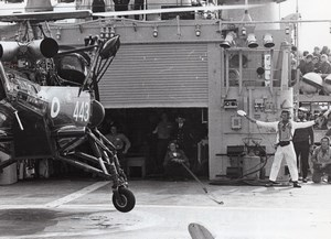 Prince Charles guiding Helicopter off HMS Jupiter flight deck Old Photo 1974