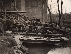 France Somme Nesle WWI Children on Blown up Bridge Old Photo 1914-1918