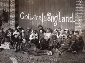 France Vraignes WWI British Western Front British Tommy & Children Photo 1917