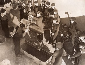 WWI British Navy Bomb Drill aboard a Battleship Sailors Old Photo 1914-1918