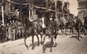 Paris Victory Parade Marshal Foch et Joffre Old Photo Postcard RPPC 1919
