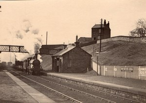 England Train entering Station Van Houten & Pears Adverts Old Photo 1900