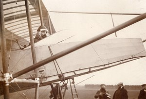 France Aviation Henry Farman in his Racing Biplane Old Photo 1910