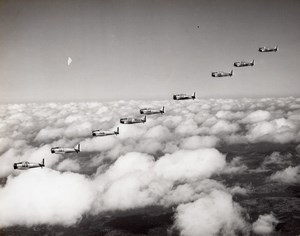 US Army American fighter aircraft Squadron In flight Old Photo 1940's ?