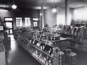 USA Randolph AFB ? Military Grocery Shop Interior old Photo 1950's