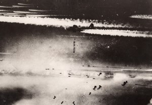 WWII Boeing B-17 Flying Fortress Bombing Bremen old Photo 1944