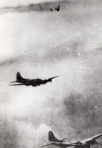 WWII Boeing B-17 Flying Fortress Losing Wing in flight old Photo 1943