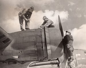 WWII Boeing B-17 Flying Fortress Yankee Doodle being serviced old Photo 1945