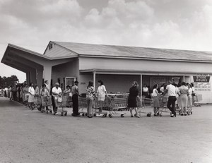 USA Queueing at the Air Force Base Supermarket Military Old Photo 1960's
